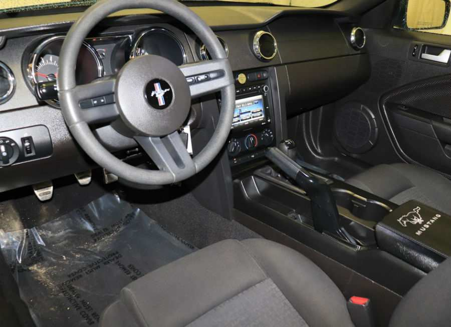 2009 Ford Mustang 45th Anniversary Edition Interior Cabin Dashboard & Front Seats