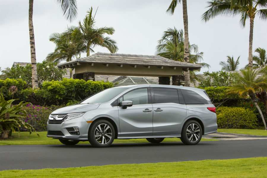 2019 Honda Odyssey Exterior Driver Side Front Profile
