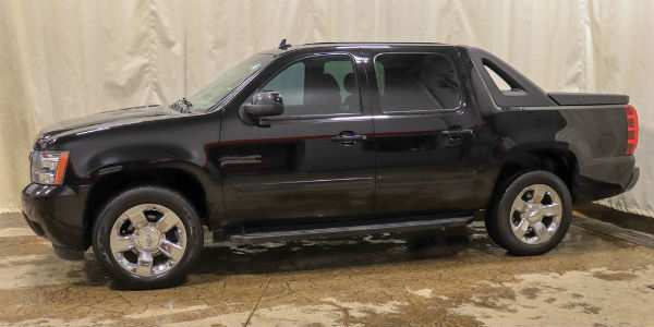 Used 2011 Chevy Avalanche Exterior Driver Side Front Profile