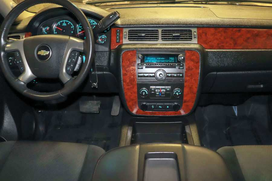 Used 2011 Chevy Avalanche Interior Cabin Dashboard